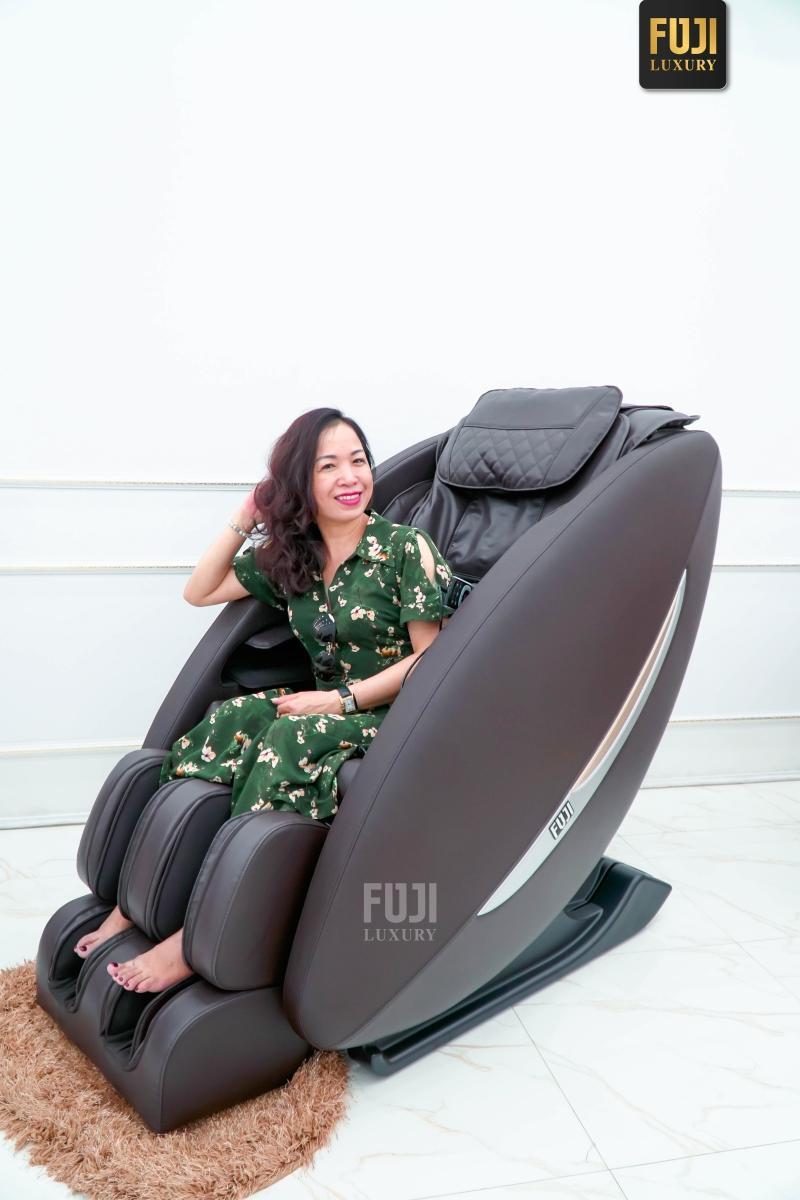 Ghế massage FJ-566 cháy hàng trong tầm giá thấp